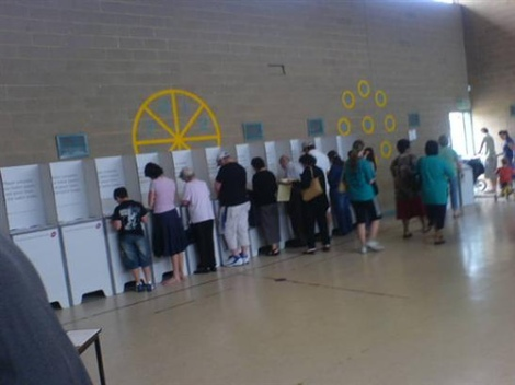 Australians turn out to vote